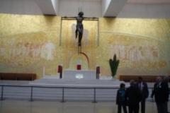 fotos da assembleia na igreja da santissima trindade na peregrinao nacional vicentina a ftima 16-04-2011 12