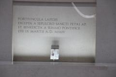 fotos da assembleia na igreja da santissima trindade na peregrinao nacional vicentina a ftima 16-04-2011 2