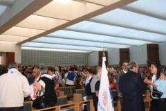 fotos da assembleia na igreja da santissima trindade na peregrinao nacional vicentina a ftima 16-04-2011 4